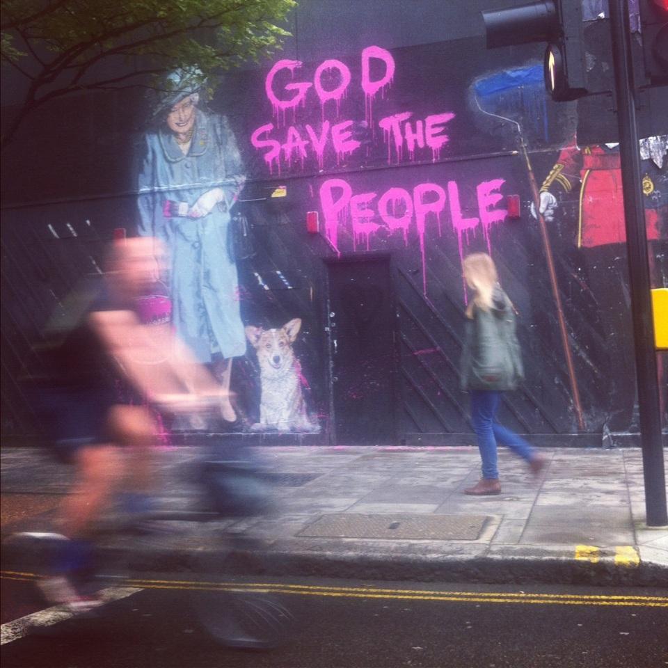 street art in london during the jubilee